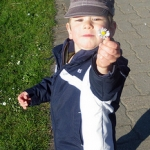 Getting Toddler to Listen – How Signs Can Help